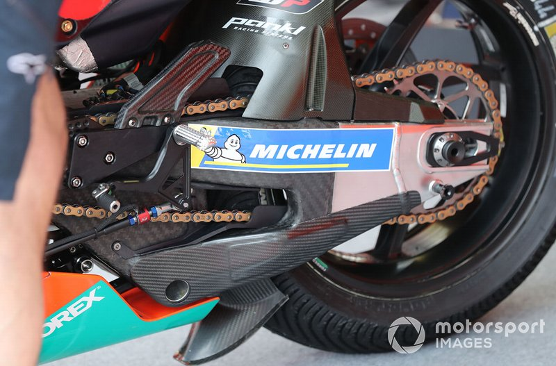 Pol Espargaro, Red Bull KTM Factory Racing KTM swingarm detail