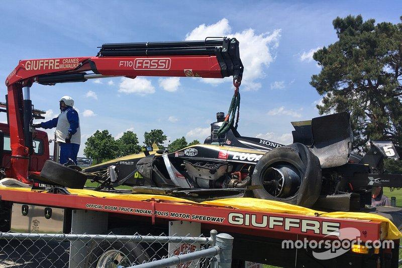 Coche de James Hinchcliffe, Arrow Schmidt Peterson Motorsports Honda, después del choque