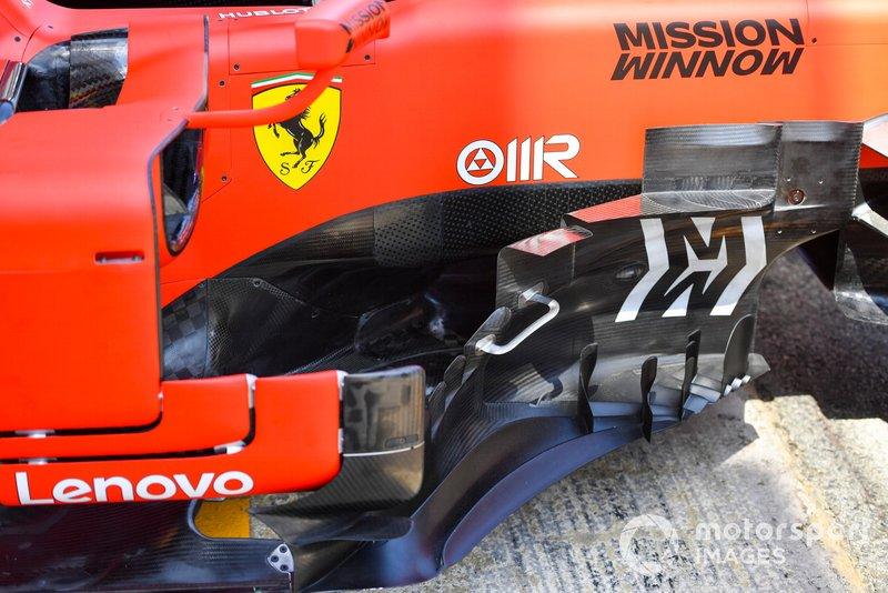 Ferrari SF90 piso delantero