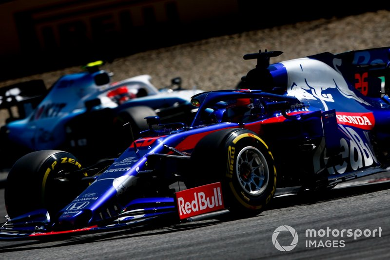 Daniil Kvyat, Toro Rosso STR14, Robert Kubica, Williams FW42