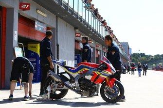 Ryuichi Kiyonari, Honda WSBK Team bike