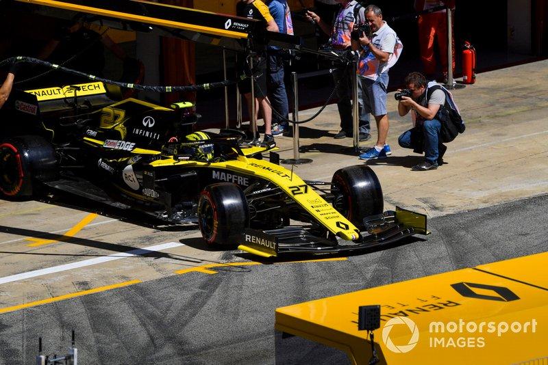 Nico Hulkenberg, Renault R.S. 19, lascia il garage