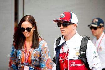 Kimi Raikkonen, Alfa Romeo Racing y su esposa Minttu Raikkonen