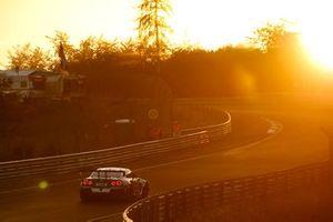 #38 KCMG Nissan GT-R Nismo GT3: Philipp Wlazik, Christian Menzel, JP Oliviera, Joshua Burdon