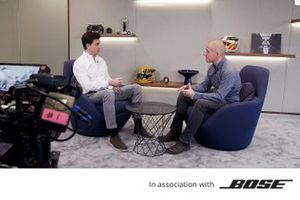 Mercedes-AMG Petronas Motorsport HQ ve Toto Wolff ve Stuart Codling
