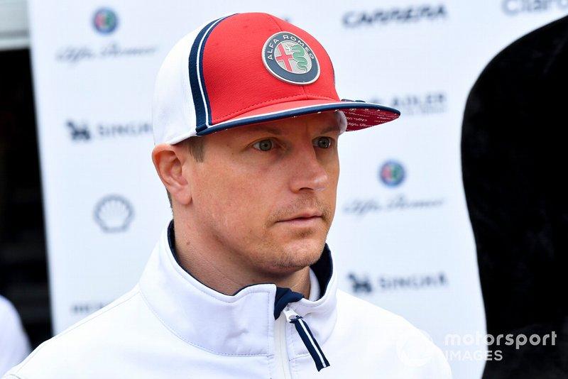 """Ezen a hétvégén a Ferrari új erőforrása sokat segíthet az egyenesekben. Jelent ez most valamilyen különbséget? Räikkönen: """"Majd meglátjuk."""""""