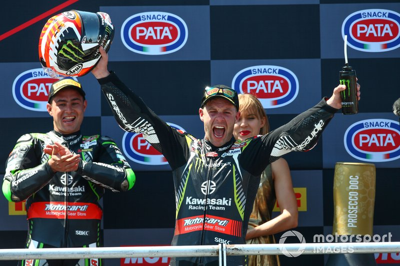 Il vincitore della gara Jonathan Rea, Kawasaki Racing Team