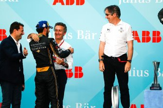 Alejandro Agag, CEO, Formula E congratulates race winner Jean-Eric Vergne, DS TECHEETAH on the podium