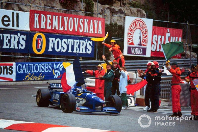 Yarış galibi Olivier Panis, Ligier JS43