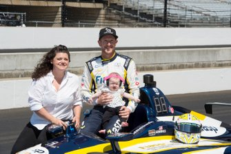 Charlie Kimball, Carlin Chevrolet, avec sa femme Kathleen et leur fille Hannah
