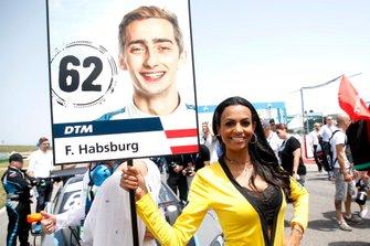 La grid girl di Ferdinand Habsburg, R-Motorsport