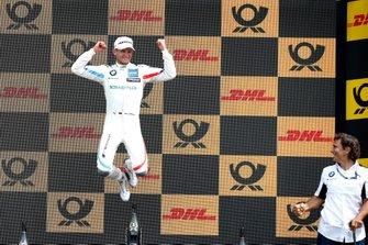 Podio: il vincitore della gara Marco Wittmann, BMW Team RMG e Alex Zanardi