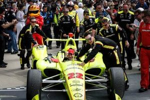 Simon Pagenaud, Team Penske Chevrolet, Victory Lane