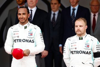 Lewis Hamilton, Mercedes AMG F1, 1st position, and Valtteri Bottas, Mercedes AMG F1, 3rd position, on the podium