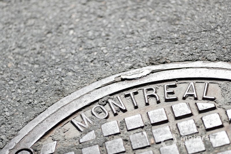 Man hole cover with Montreal branding