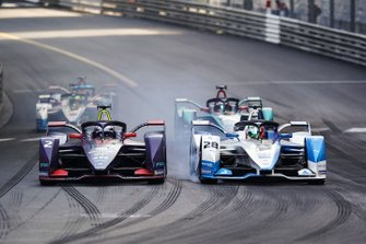 Antonio Felix da Costa, BMW I Andretti Motorsports, BMW iFE.18 passes Sam Bird, Envision Virgin Racing, Audi e-tron FE05