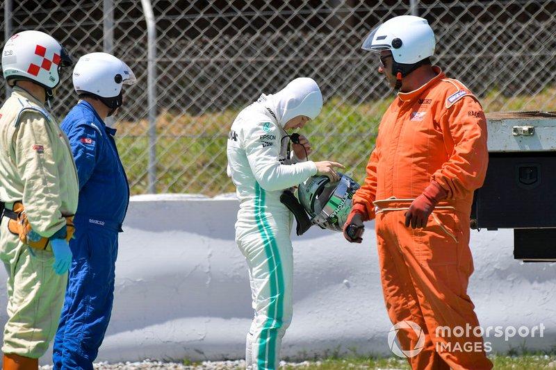 Nikita Mazepin, tester, Mercedes AMG F1 dopo essersi fermato sulla pista