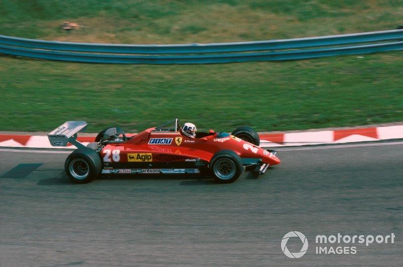 После того, как другой гонщик Ferrari Дидье Пирони разбился в Хоккенхайме и выбыл до конца чемпионата с переломами обеих ног, в споре за титул сложилась парадоксальная ситуация