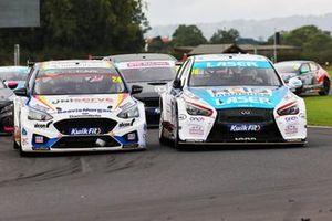 Jake Hill, MB Motorsport Ford Focus ST Aiden Moffat, Laser Tools Racing Infiniti Q50