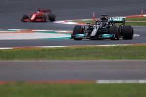 Lewis Hamilton, Mercedes W12, Charles Leclerc, Ferrari SF21