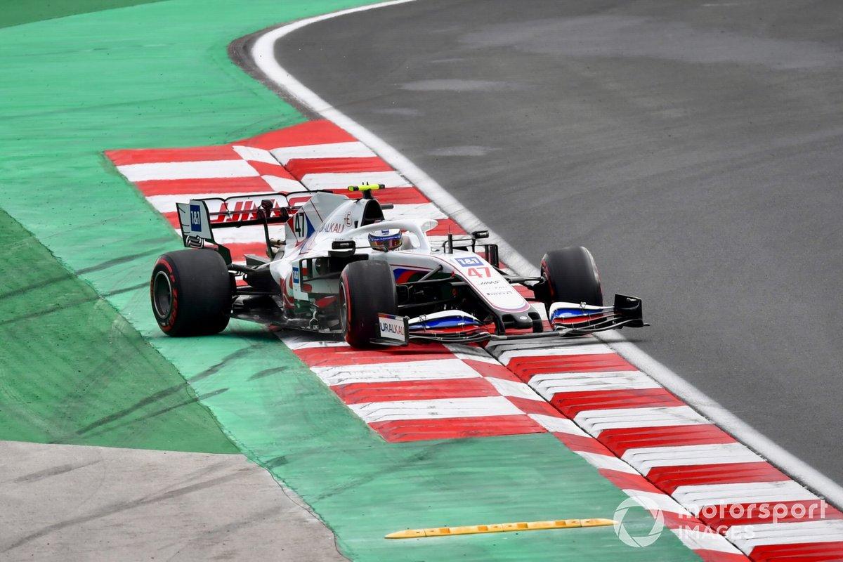 Mick Schumacher, Haas VF-21 se despista