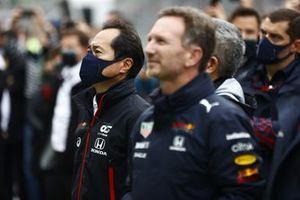 Toyoharu Tanabe, directeur technique F1, Honda, et Christian Horner, team principal, Red Bull Racing, lors de la cérémonie du podium