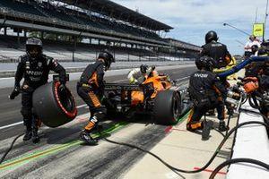 Patricio O'Ward, Arrow McLaren SP Chevrolet pit stop