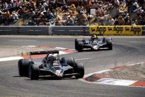 Race winner Mario Andretti, Lotus 79, Ronnie Peterson, Lotus 79