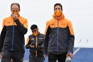 Daniel Ricciardo, McLaren MCL35M track walk with team members.