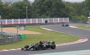 Lewis Hamilton, Mercedes W12, Esteban Ocon, Alpine A521