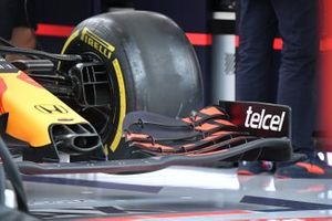 Red Bull Racing RB16B nose and front wing detail