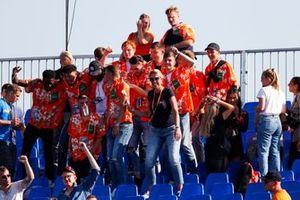 Fans op een tribune