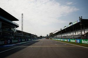 The pit straight at Monza