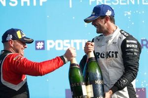 Oliver Rowland, Nissan e.Dams, 2ª posición, Norman Nato, Venturi Racing, 1ª posición, en el podio