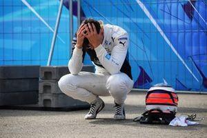 Jake Dennis, BMW i Andretti Motorsport, BMW iFE.21 after the crash