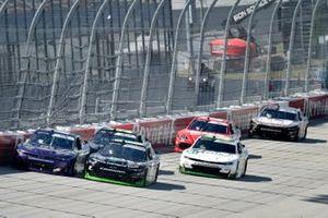 Cody Ware, SS Green Light Racing, Chevrolet Camaro Nurtec ODT, Jeffrey Earnhardt, JD Motorsports, Chevrolet Camaro Forever Lawn