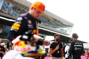 Lewis Hamilton, Mercedes wordt geïnterviewd door Mark Webber