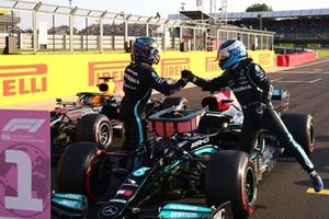 Valtteri Bottas, Mercedes, poleman Lewis Hamilton, Mercedes