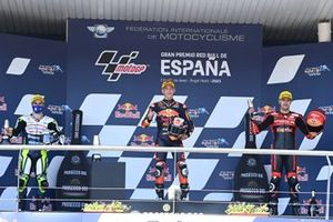 Pedro Acosta, Red Bull KTM Ajo, Romano Fenati, Max Racing Team, Jeremy Alcoba, Team Gresini Moto3 sul podio