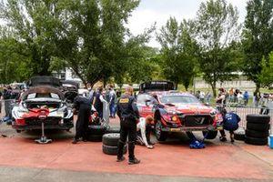 Takamoto Katsuta, Daniel Barritt, Toyota Gazoo Racing WRT Toyota Yaris WRC, Ott Tänak, Martin Järveoja, Hyundai Motorsport Hyundai i20 Coupe WRC