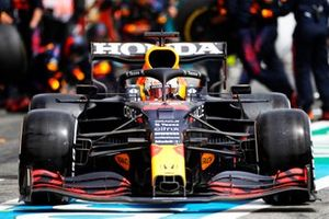 Max Verstappen, Red Bull Racing RB16B, leaves his pit box