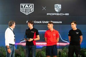 Vittorio Colalillo General Manager Tag Heuer Italy e Marzio Moretti di Bonaldi Motorsport - Centro Porsche Bergamo assistono alla cerimonia di premiazione TAG Heuer