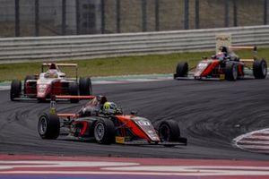 Oliver Bearman, Van Amersfoort Racing, vince Gara 2