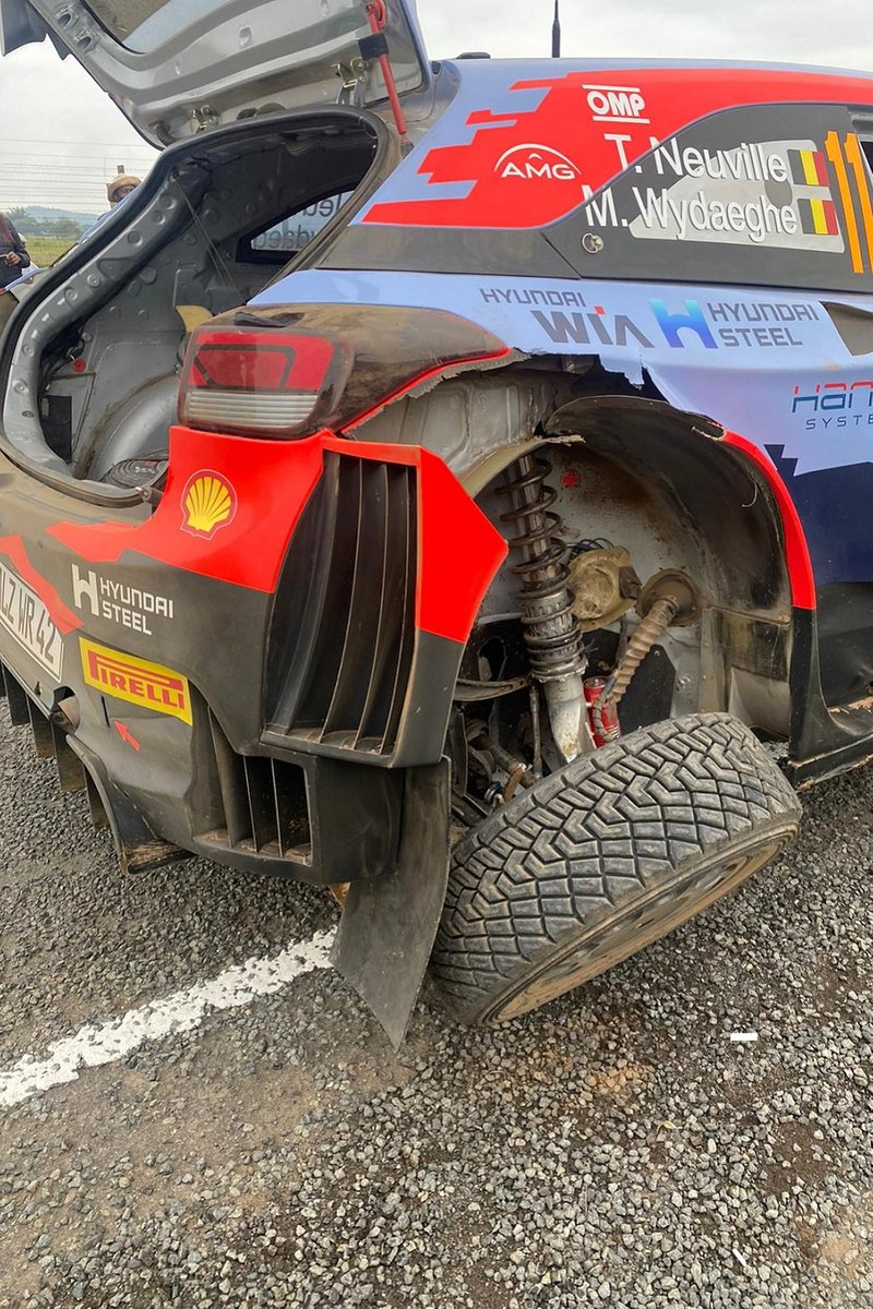 The crashed Hyundai i20 of Thierry Neuville