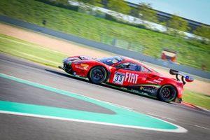 #33 Rinaldi Racing Ferrari 488 GT3: Benjamin Hites, Patrick Kujala