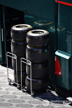 Tyre stacks