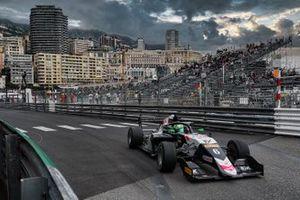 Isack Hadjar, R-ace GP, vince Gara 1