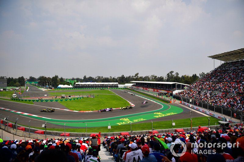 Daniel Ricciardo, Renault R.S.19, Pierre Gasly, Toro Rosso STR14, y Nico Hulkenberg, Renault R.S. 19