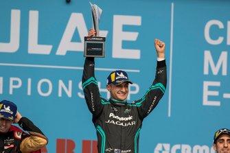Podium : le vainqueur Mitch Evans, Jaguar Racing, Jaguar I-Type 4