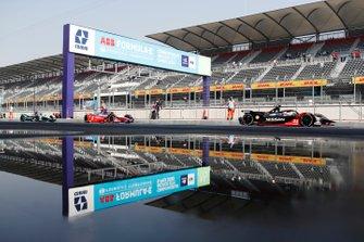 Sébastien Buemi, Nissan e.Dams, Nissan IMO2 Pascal Wehrlein, Mahindra Racing, M6Electro, Mitch Evans, Jaguar Racing, Jaguar I-Type 4